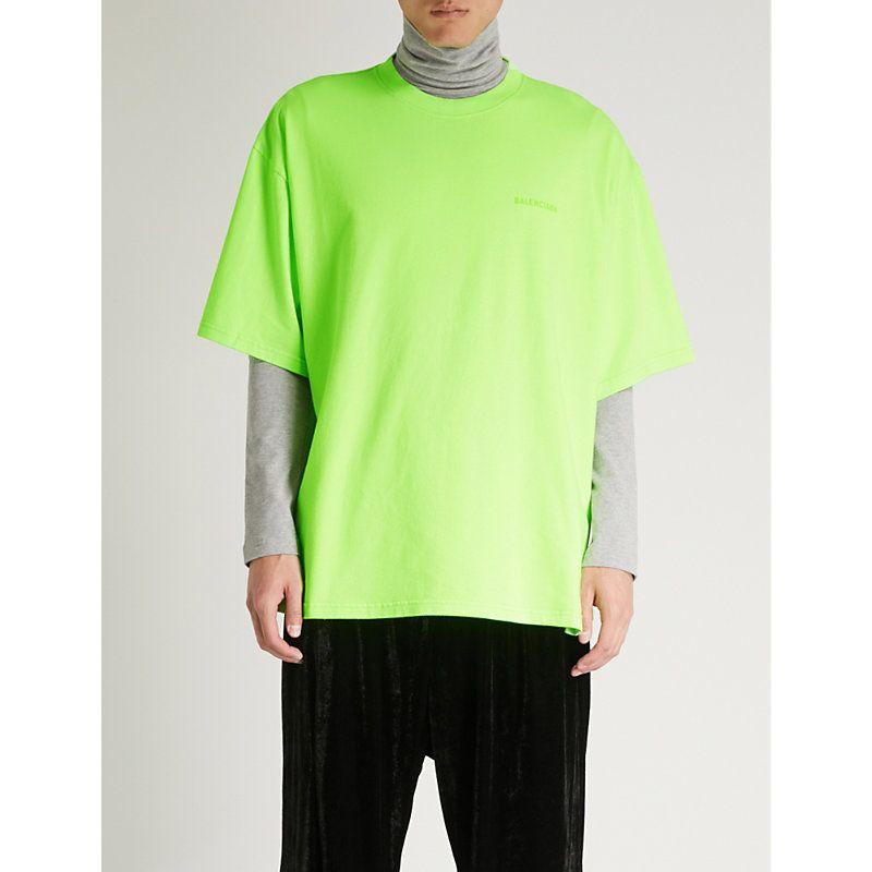 294b014b0c89 BALENCIAGA OVERSIZED EGO-PRINT COTTON-JERSEY T-SHIRT. #balenciaga #cloth #