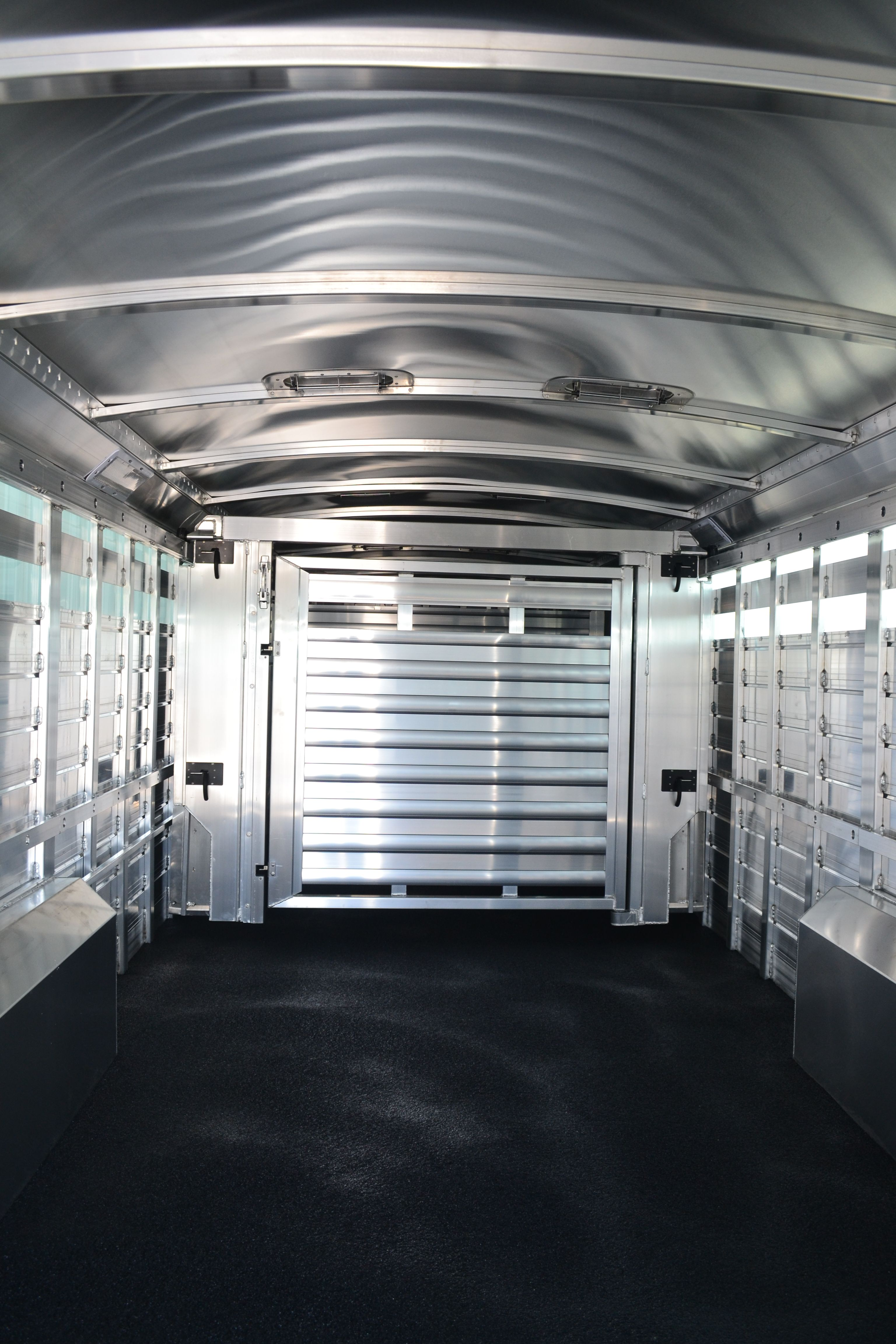 2015 4 Star Stock Trailer 8 Wide X 6 Tall Floating Gate With Werm Flooring Livestock Trailers Stock Trailer Cattle Trailers