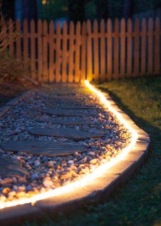 7 manières du0027éclairer son allée de jardin Solar pathway lights - allee d entree maison