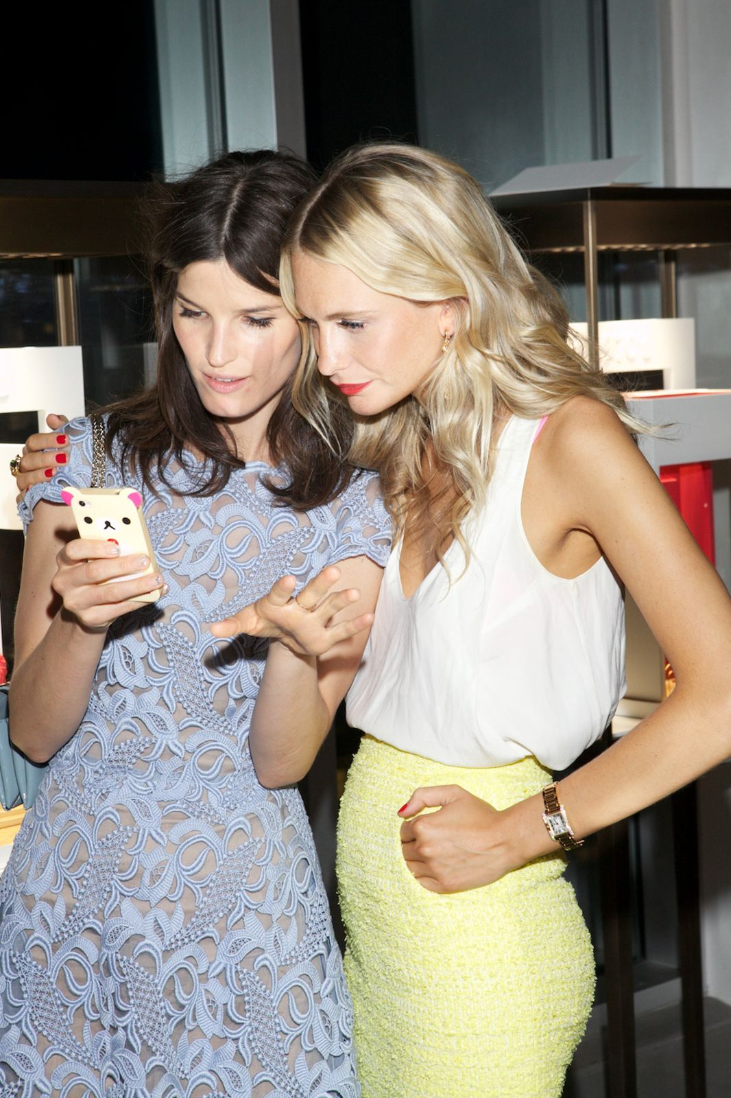 This Cartier Dinner Felt Worthy Of The Tank Anglaise (& Poppy!) #refinery29 http://www.refinery29.com/cartier-tank-anglaise-party#slide7 Hanneli pulls Poppy into her cellie snaps. Photographed by Julie Skarratt/ Courtesy of Cartier