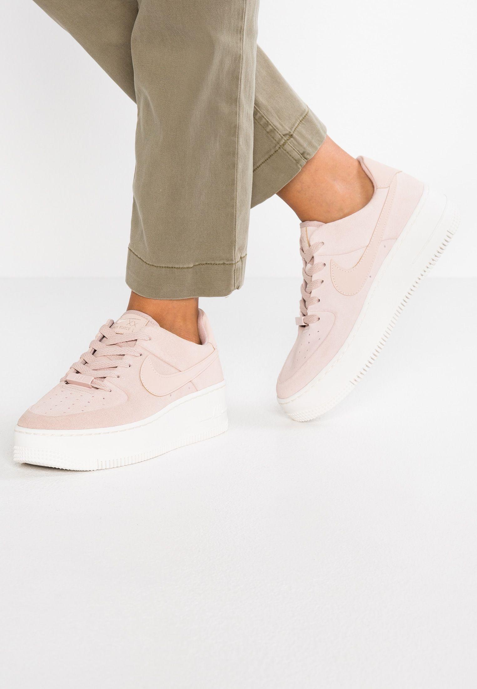 buy online 18a08 bbe3e Nike Sportswear AIR FORCE 1 SAGE - Sneakers - particle beige phantom -  Zalando.