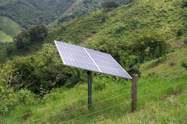 Equipo de energía solar completo para áreas rurales , generando 8000 W al día