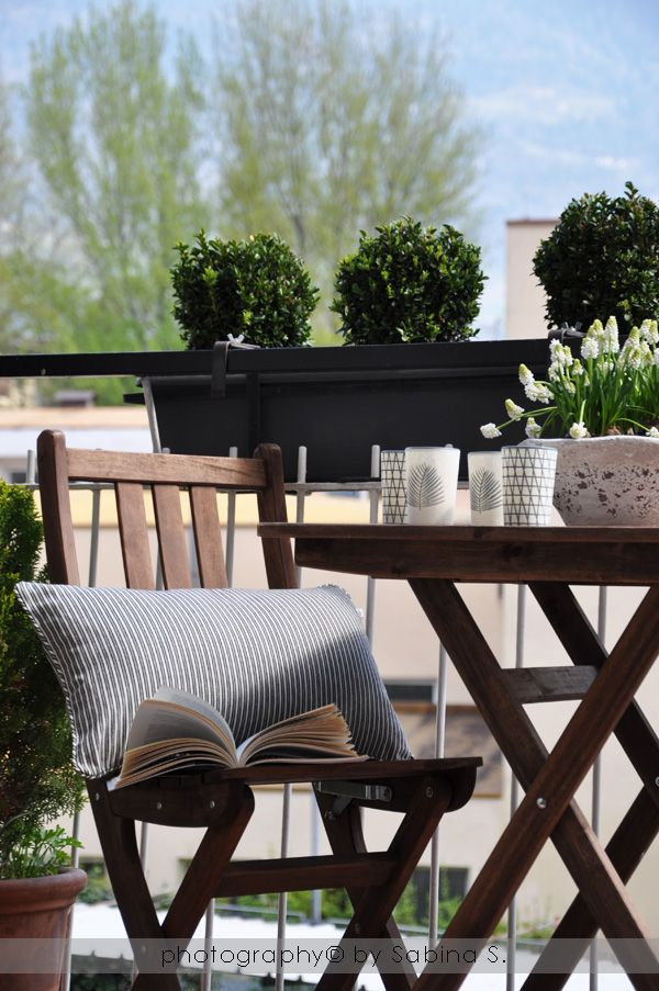 Ikea style brown garden table set with ornamentals also best house ideas images decorations dekoration home decor rh pinterest