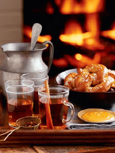 Warm your guests up by offering them a mug of warm mulled cider as they arrive.