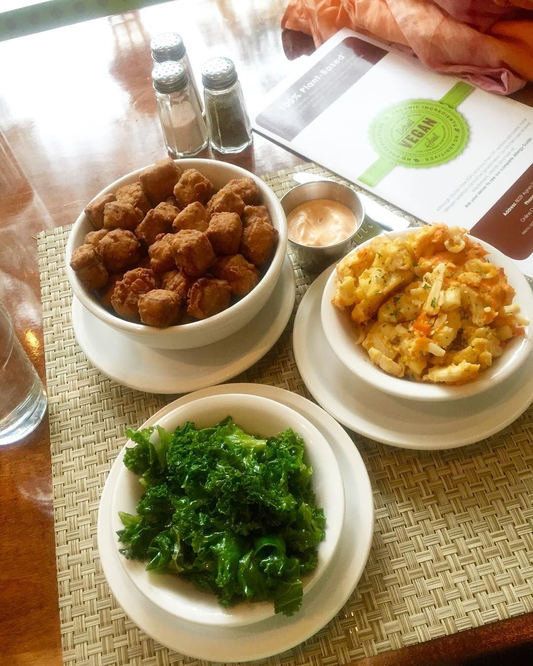 The Best Vegan Soul Food Restaurants Across The Country Peta Vegan Soul Food Soul Food Restaurant Soul Food