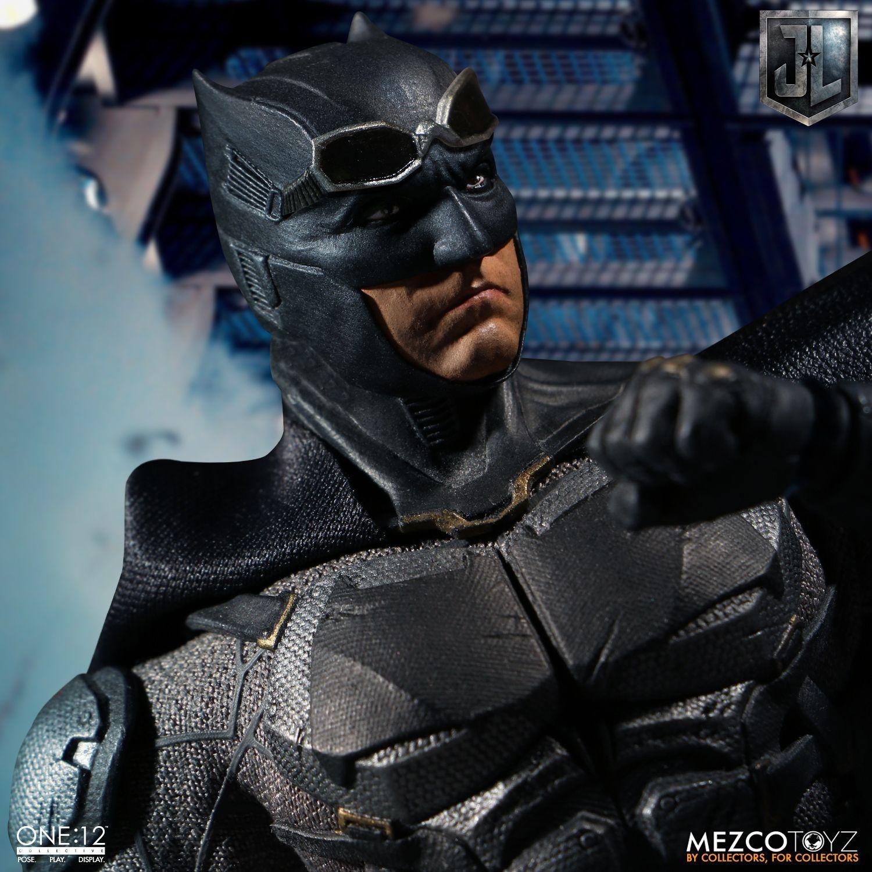 TACTICAL SUIT BATMAN Figure Mezco Justice League ONE:12 Collective