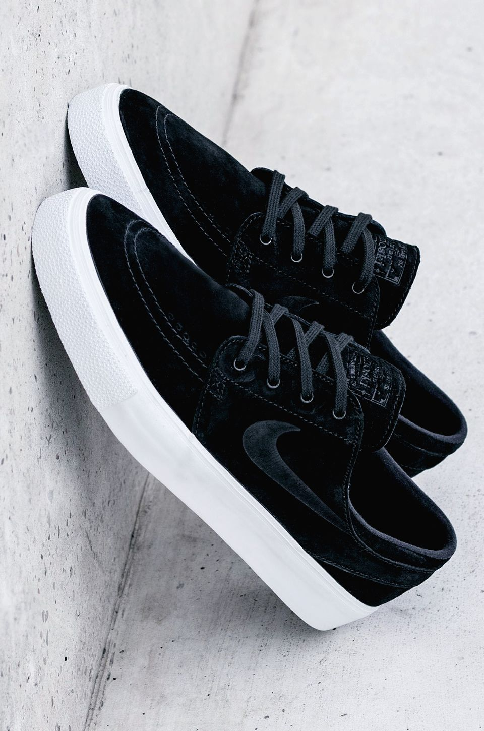 more photos dd93e 3ba63 Nike SB Zoom Janoski HT Black White  sneakernews  Sneakers  StreetStyle   Kicks