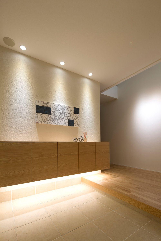 コイズミ照明株式会社 家のあかりぜんぶled施工イメージ集 華やかな玄関を演出する光 和モダン 玄関ホール 玄関ホール デザイン 和モダン 玄関