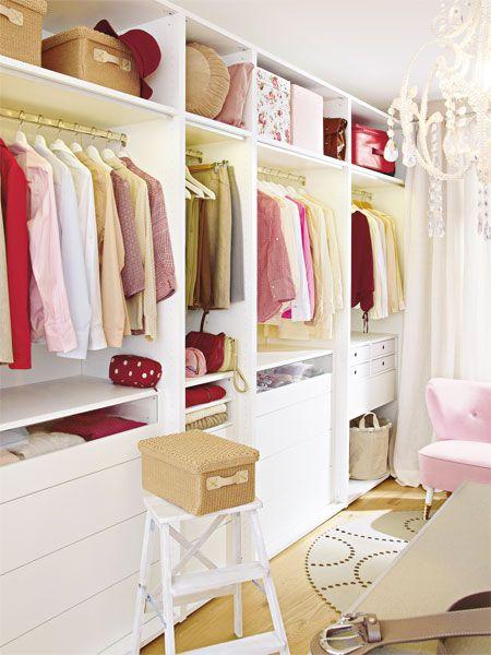 Trend Mehr bersicht im Kleiderschrank schafft eine Aufteilung in Zonen