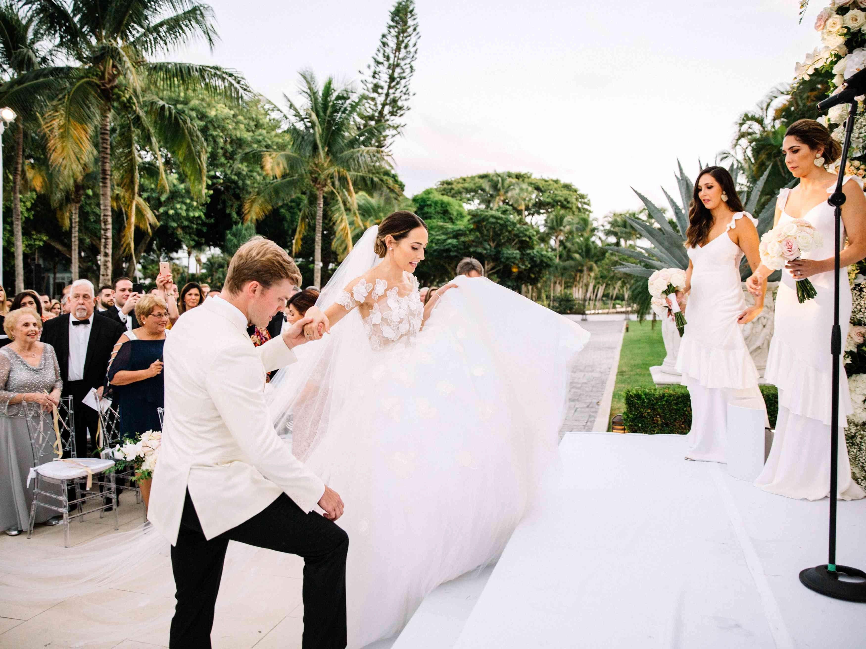 Wedding Dress Stores In Atlanta Ga Inspirational E Couple S Grand Palm Beach Wedding At The In 2020 Beach Wedding White White Beach Wedding Dresses Blue Beach Wedding