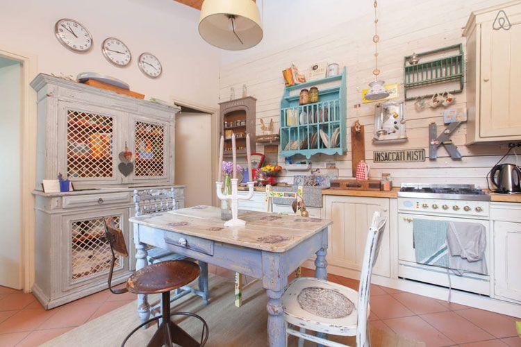 Cucina shabby chic in stile provenzale romantico n.18