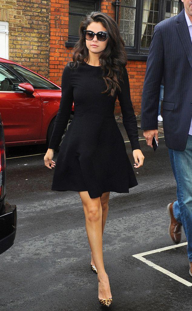 7f4767ba5 All Noir from Selena Gomez's Street Style   Vestidos   Estilo de ...