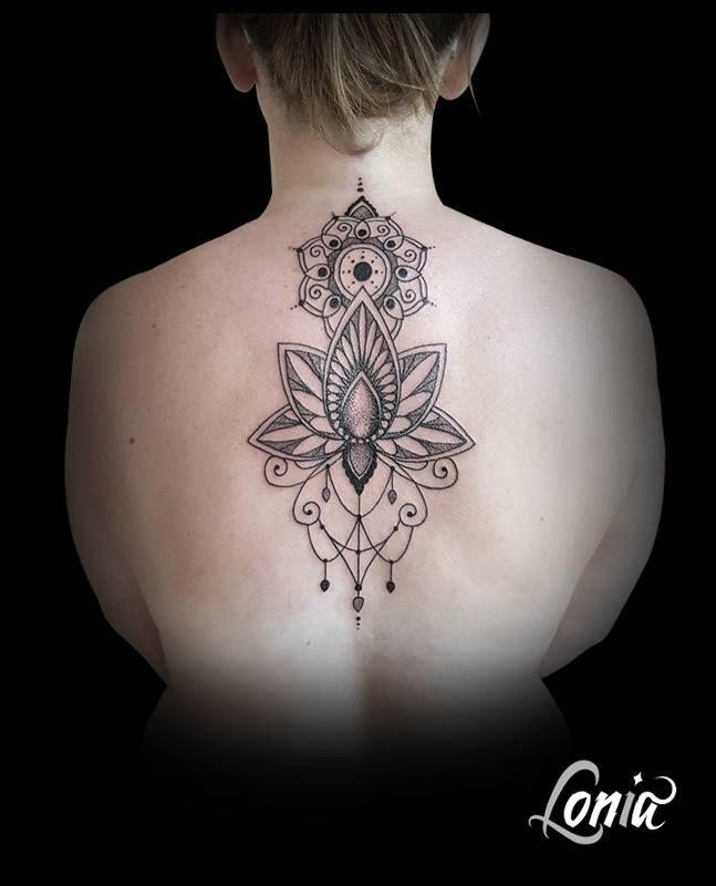 Tatouage lonia tattoo ornements mandala dos fleur de lotus - Fleur de lotus mandala ...
