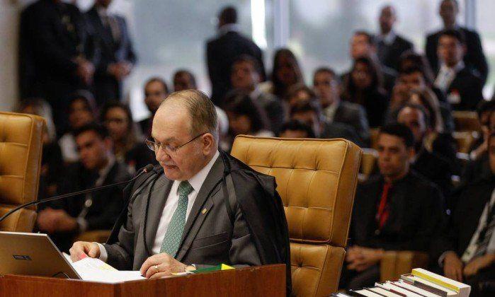 Maioria do STF se posiciona contra o voto do relator Edson Fachin. Voto secreto e comissão do impeachment formada pela oposição estão oficialmente derrubados. Ministros também decidiram que o Senado Federal terá poder no processo. Ironicamente, dois dos ministros mais identificados com o PT deram os votos mais contrários aos interesses de Dilma