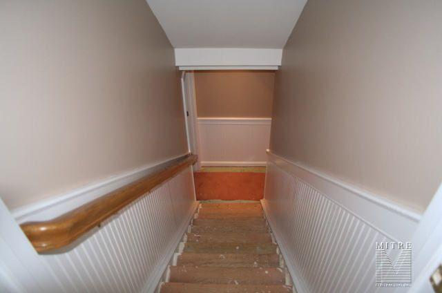 BASEMENT STAIR IDEAS | WAINSCOTING U0026 CHAIR RAIL: Beadboard Wainscot In  Stairway