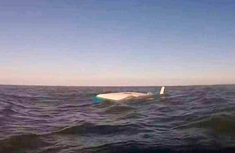 Capella, la barca di Franz Maas, perde la chiglia e si ribalta nel Mare del Nord