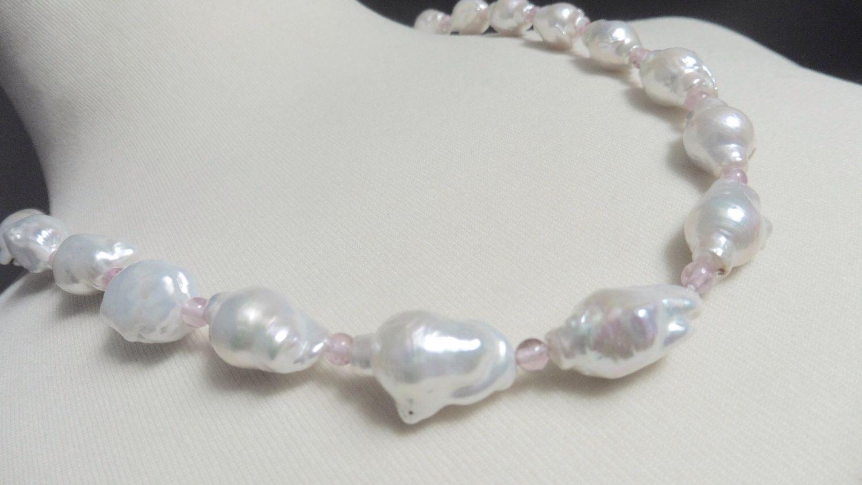 Rosa Halskette mit Baroque Perlen Goldfarbige Perlenkette süßwasserperlen