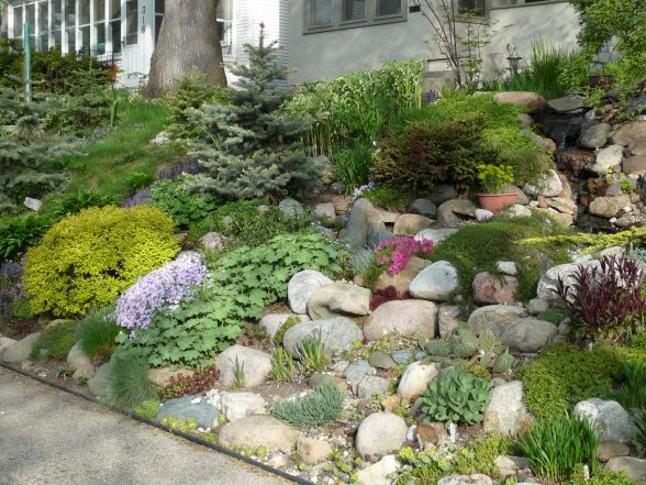 Hillside rock garden perfect for the hills on our property for Idea de deco garden rockery