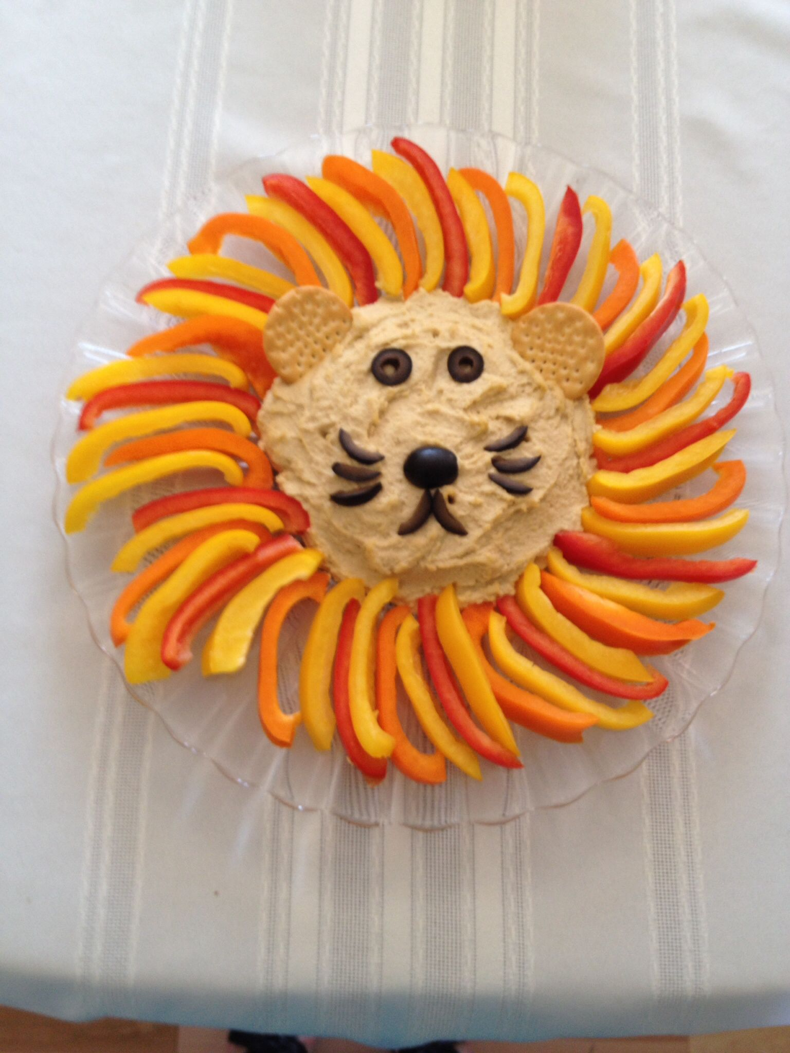 Hummusveggie lion I made for my daughters jungle themed first