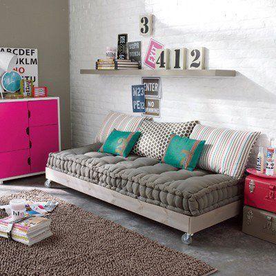 Fabuleux canapé-lit d'appoint, réalisée avec des palettes en bois #ZA_44