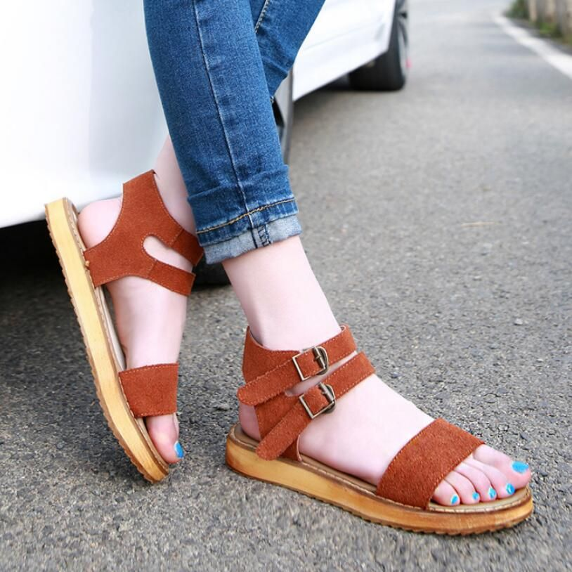 3d4dfd2cbc5  D H PLUS SIZE Rome Style Gladiator Women Sandals Comfortable Wide Feet  Flat Casual Sandals Women Summer Shoes Woman