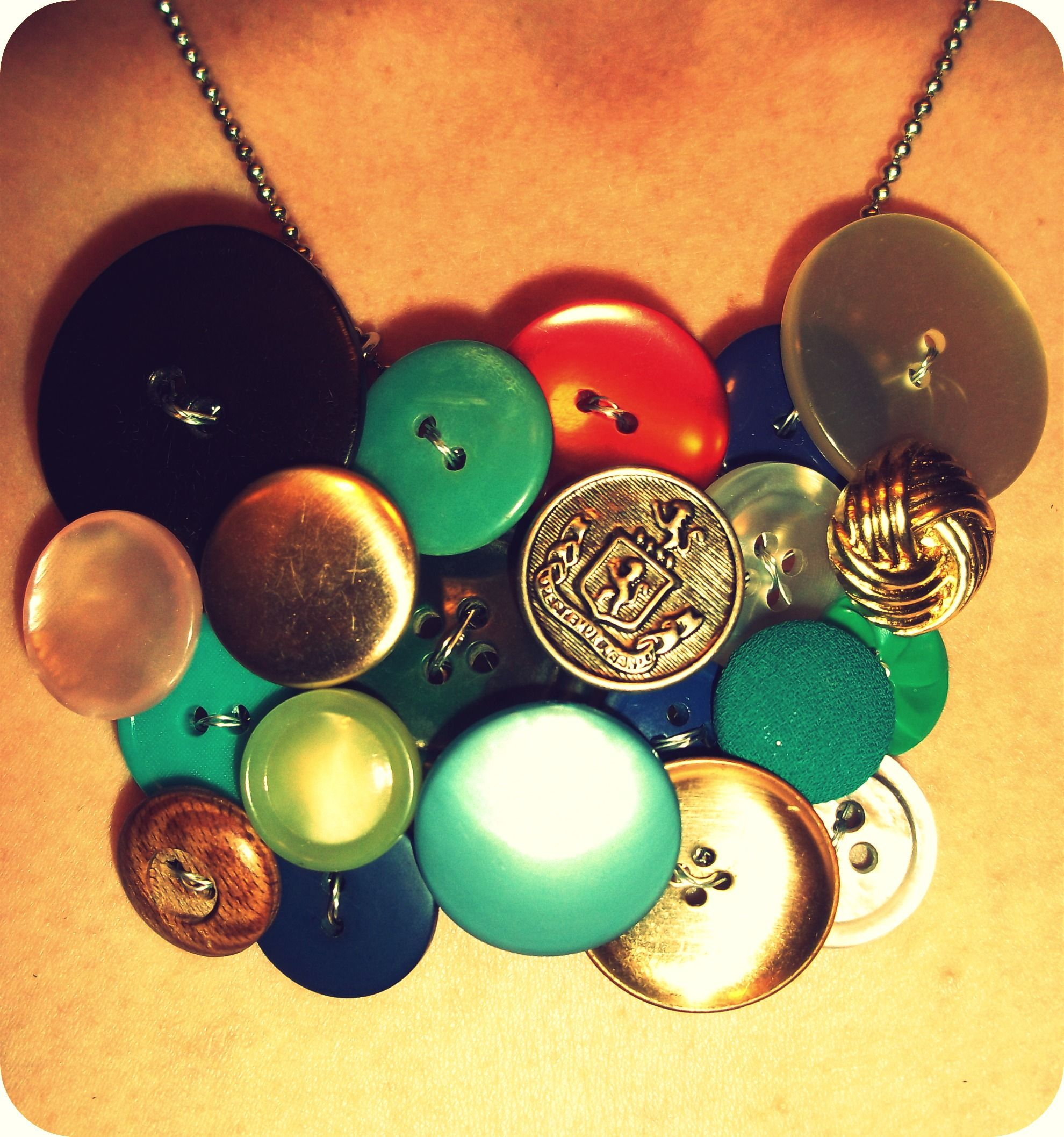I made my very own button necklace.