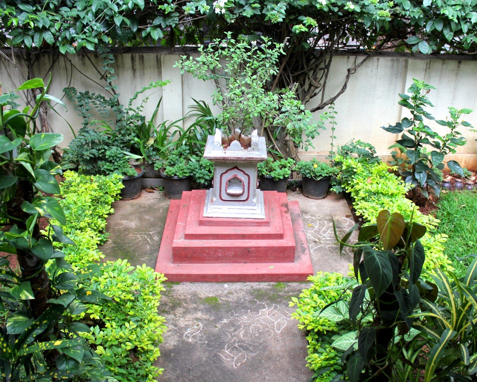 Red House Garden: An Indian Garden | Gardening | Pinterest | Red .