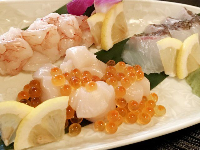 RT @TwitFukuoka: イクラなんでもこぼれすぎ!福岡で衝撃のイクラこぼれ寿司に出会ってしまった→ https://t.co/hidQEVkII4 https://t.co/fSqXiHLAO8 - 福なほ