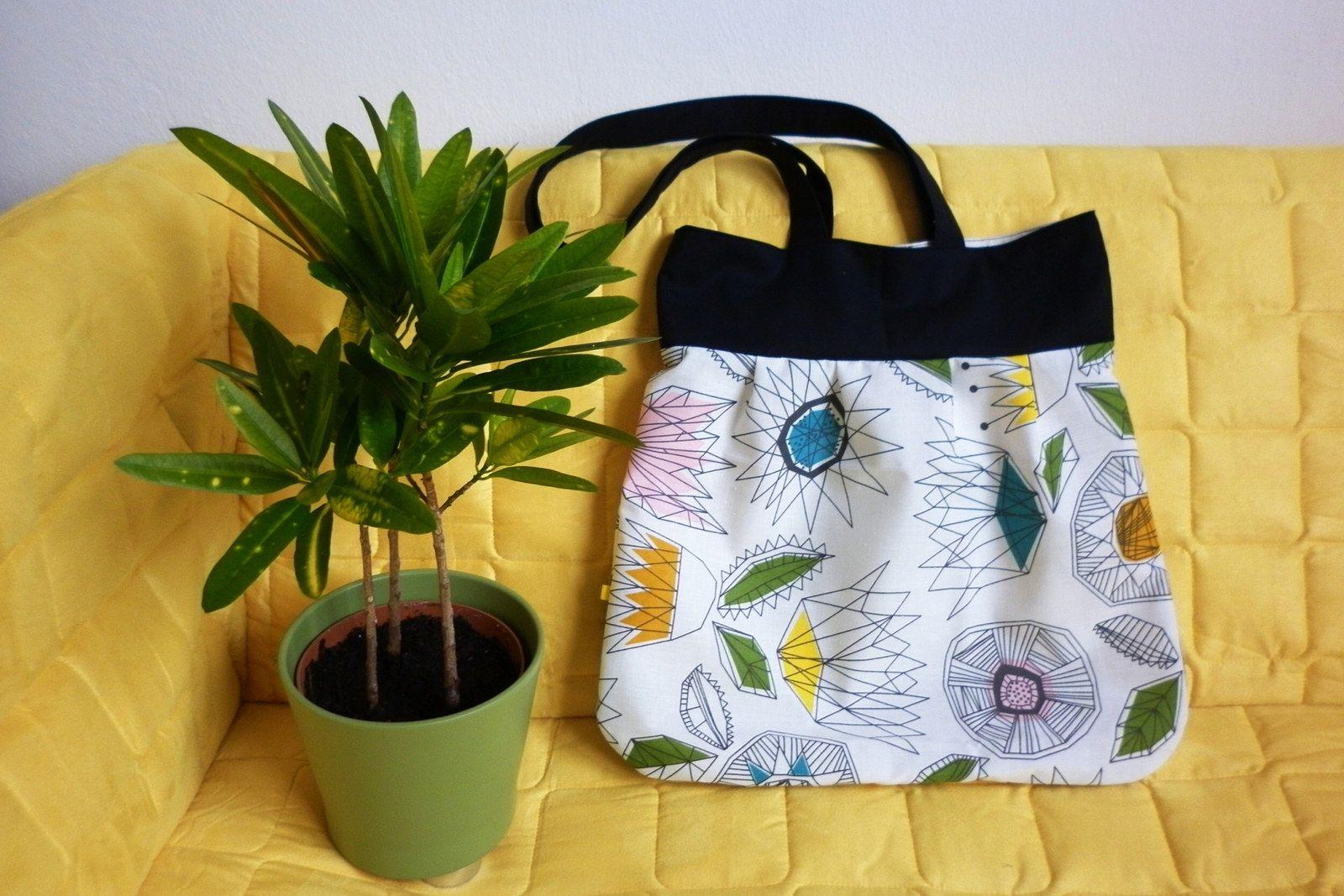 Geometrie mezi květinami - taška