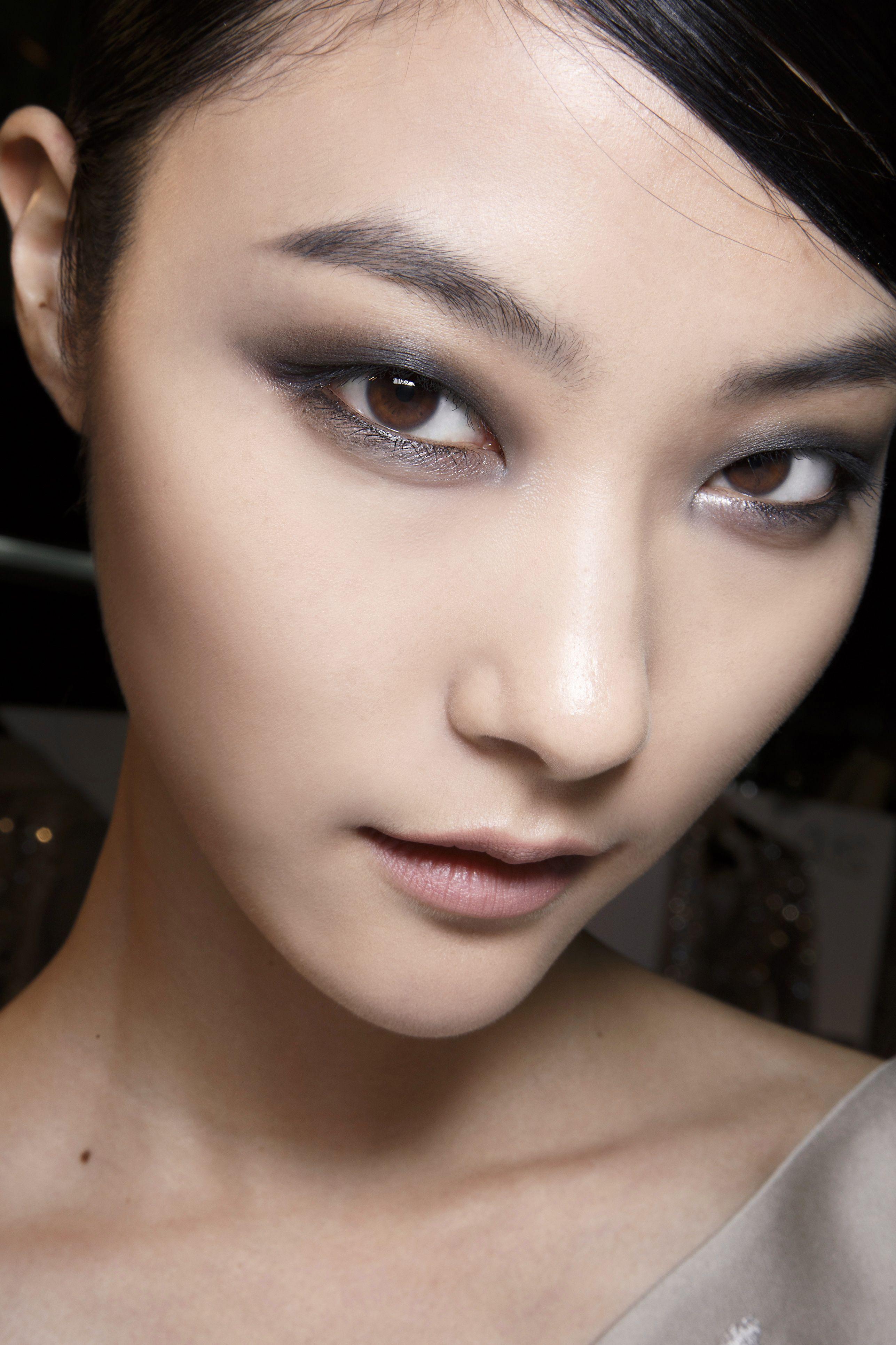 Minimalist vs. seductive bride Asian eye makeup, Eye