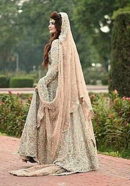 Pin de Wajeeha Siddique en WeddinG DresseS | Pinterest