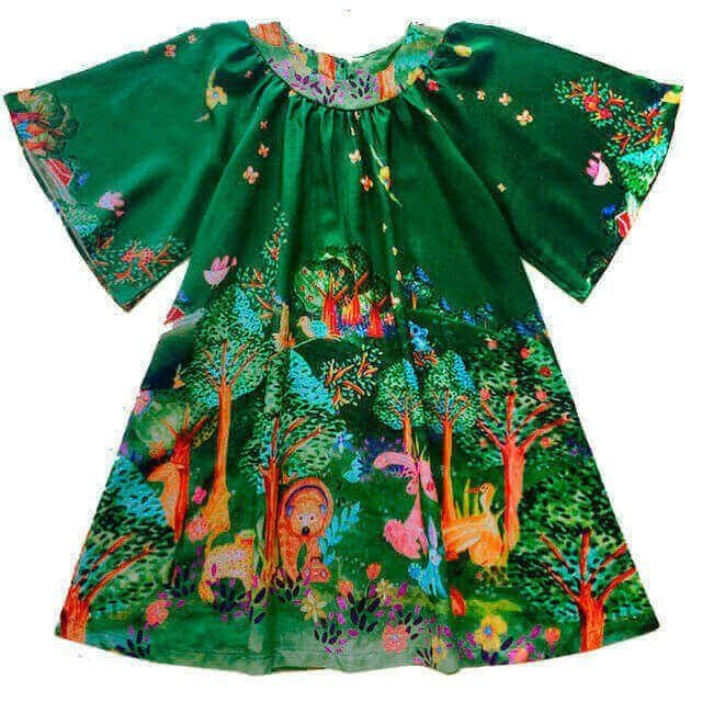 5896270bbb Vestido infantil verde floresta estampa exclusiva 100% viscose - Kids na Net  - A sua