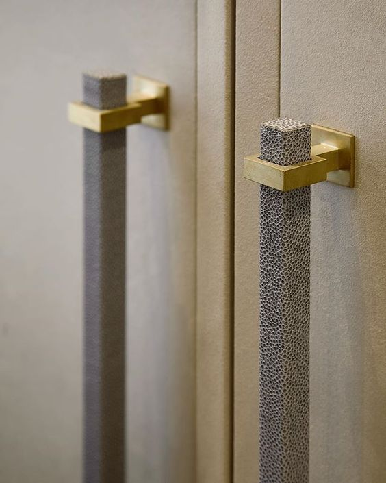 Best High End Cabinet Hardware Specially Made To Enhance Any 640 x 480