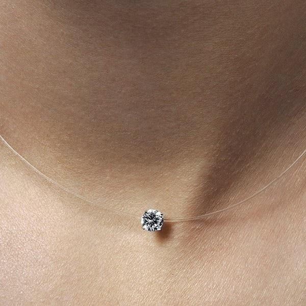 Collier avec un petit diamant