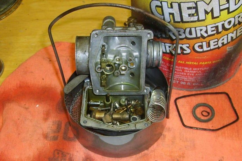 Cleaning a carburetor in 8 easy steps cleaning easy