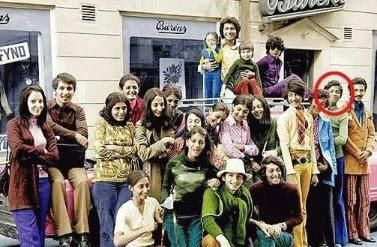 Osama bin Laden and his family. They all seem very happy. Unbelievable how that smiling boy later became a fanatic:(