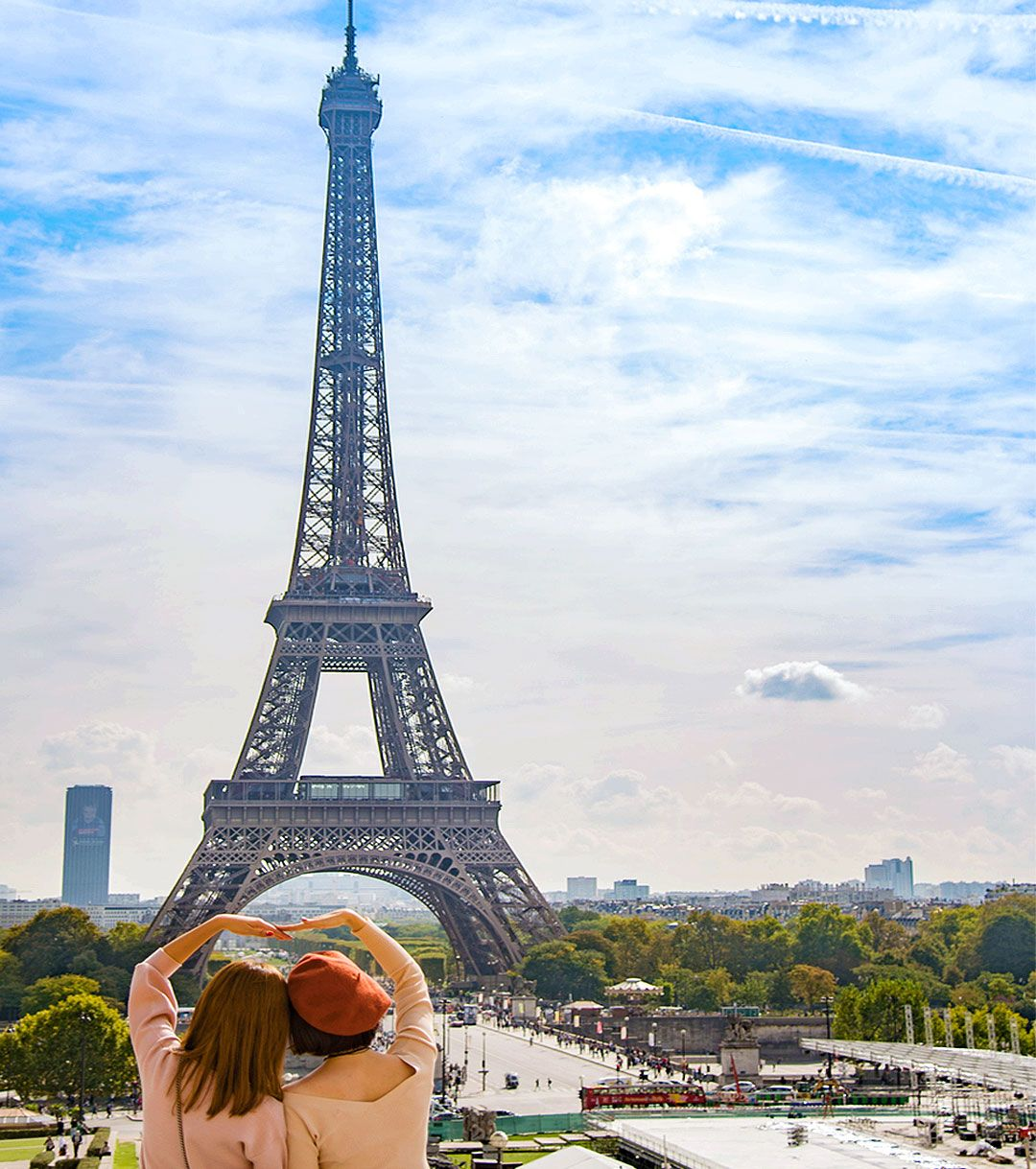 Eiffel Tower, Paris ♥ This iconic attraction is 1 bucket