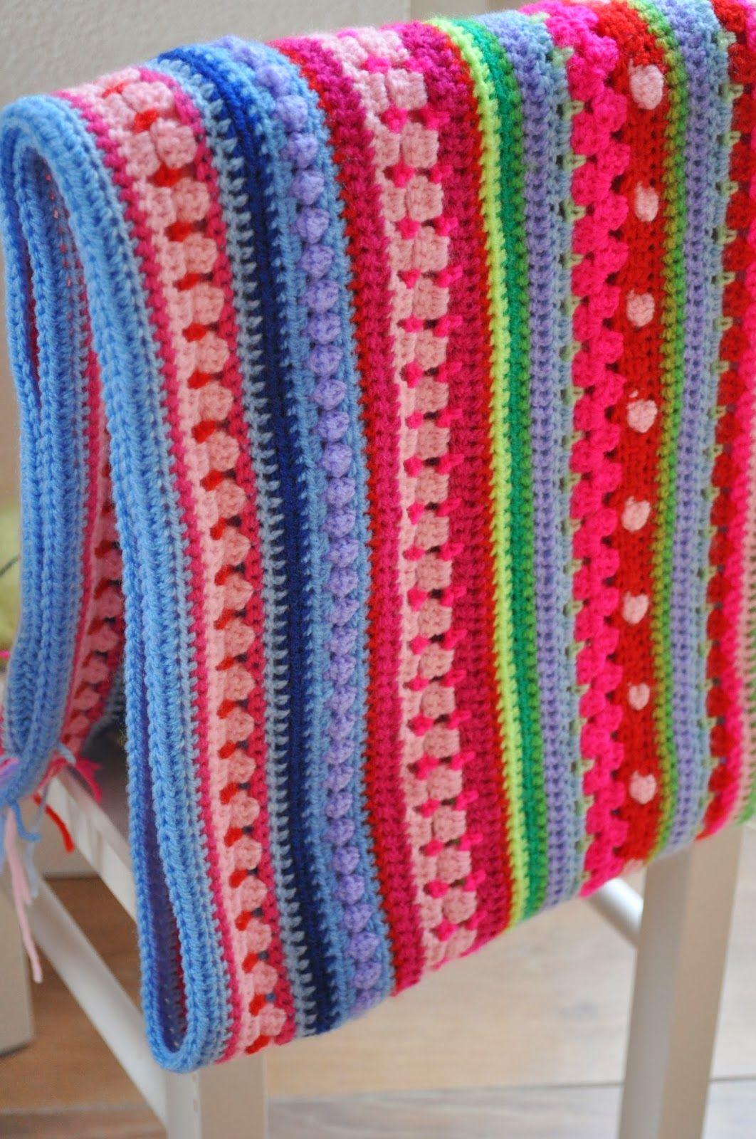 'T Busy Bijtje Cheerful stripes blanket!