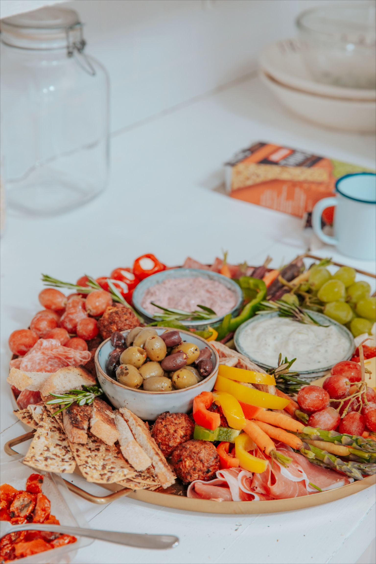 Bursting with flavours from all over the world, mezze can just as easily be enjoyed as the main snack board supper itself, or an all-day grazing board, if you're no longer subscribing to the idea of breakfast, lunch and dinner.  #mezze #mezzeplatter #dinnerplans #platters #grazingplatters #deliciousfood #foodgoals #instafoodie #mezzeplatterrecipe #mezzeplatterveg #mezzeplatterforone #mezzeplatter #mezzeplatterideas #mezzerecipes #mezzeboard #mezzeplatterideasentertaining