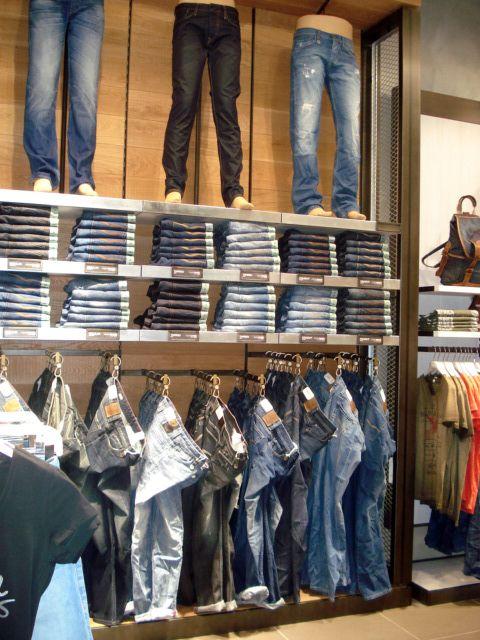 d01e677c65e7e4 New opening  Lyon Confluence - France.  salsa  store  boutique  denim  jeans
