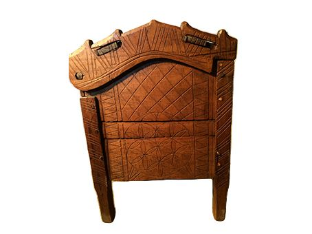 Clamped-front ark-lid chest