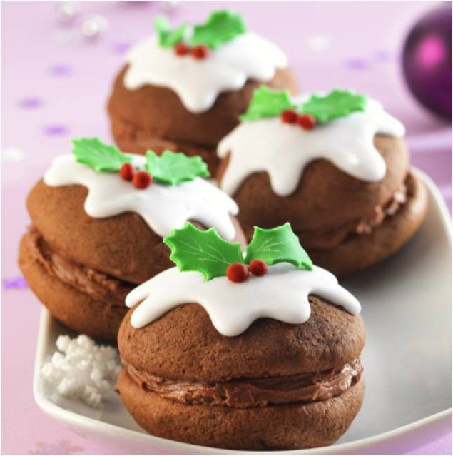 As an alternative to cupcakes why not try making these beautiful Whoopie Pies for your Christmas celebrations!