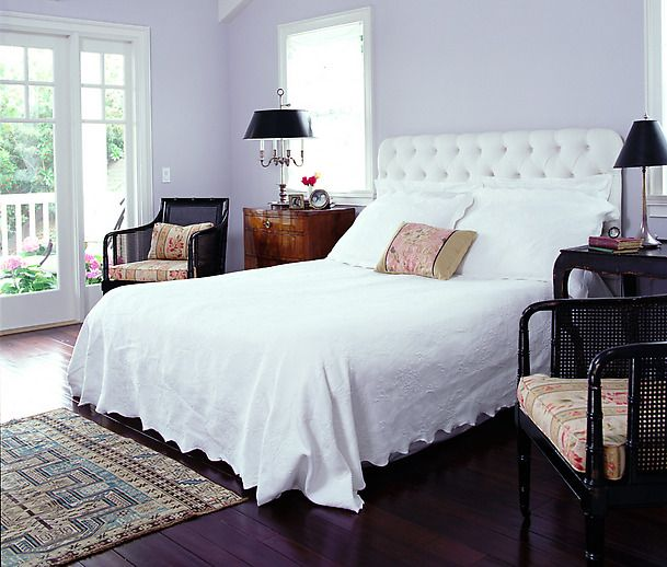 U003c3 The Lavender Walls Combined With White Linens And Black Accents. Great  Guest Room