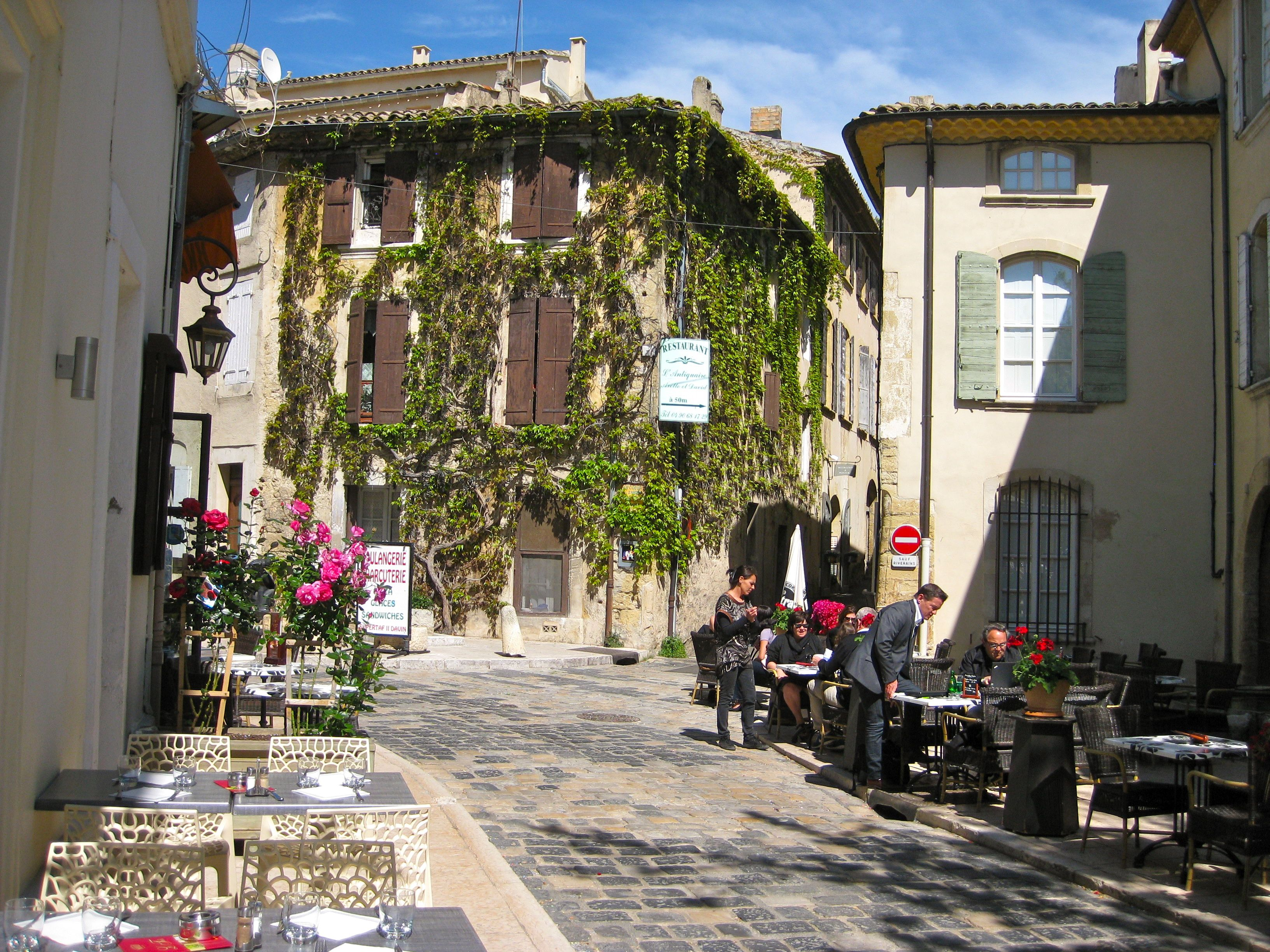 Lourmarin and st remy de provence are two of my favourite for Chambre d hotes saint rmy de provence