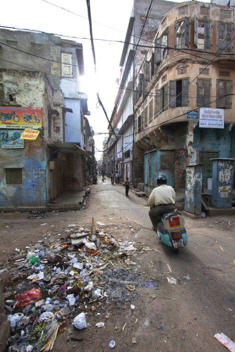 Jaipur's Dirty Streets | India Calling | India, India ...
