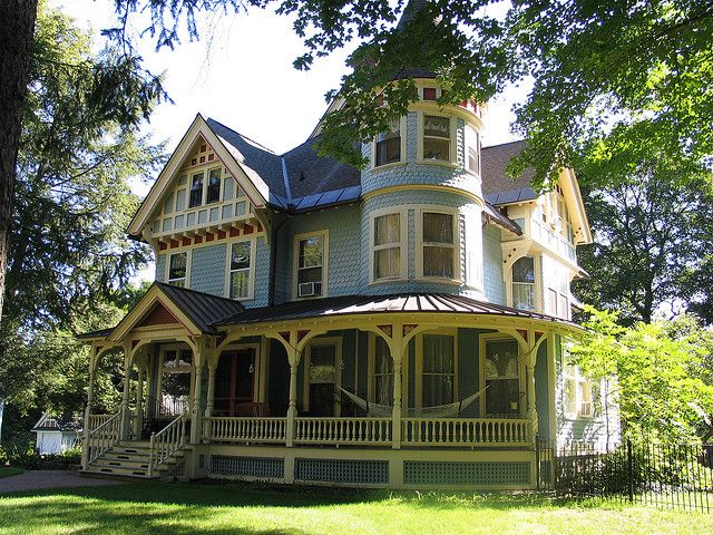 Classic Victorian Home Victorian Style Homes Victorian Homes House Colors