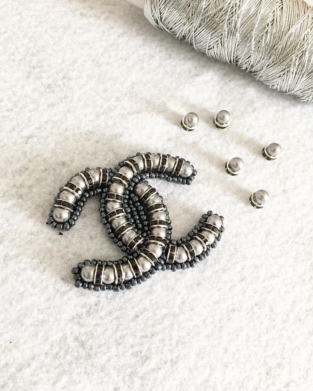 Chanel logo handmade brooch🖤 handmade chanel brooch