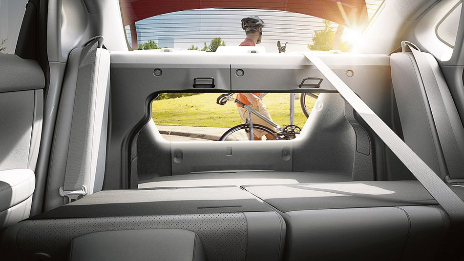 Nissan Sentra Sl Shown In Marble Gray Leather With 60 40 Split Fold Down Rear Seats Nissan Sentra Nissan Car Dealership
