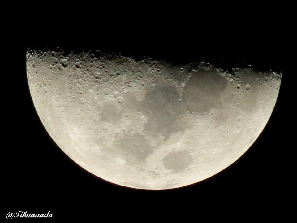 Cuarto #creciente La #Luna hoy desde los altos mirandinos a las 5:42 ...