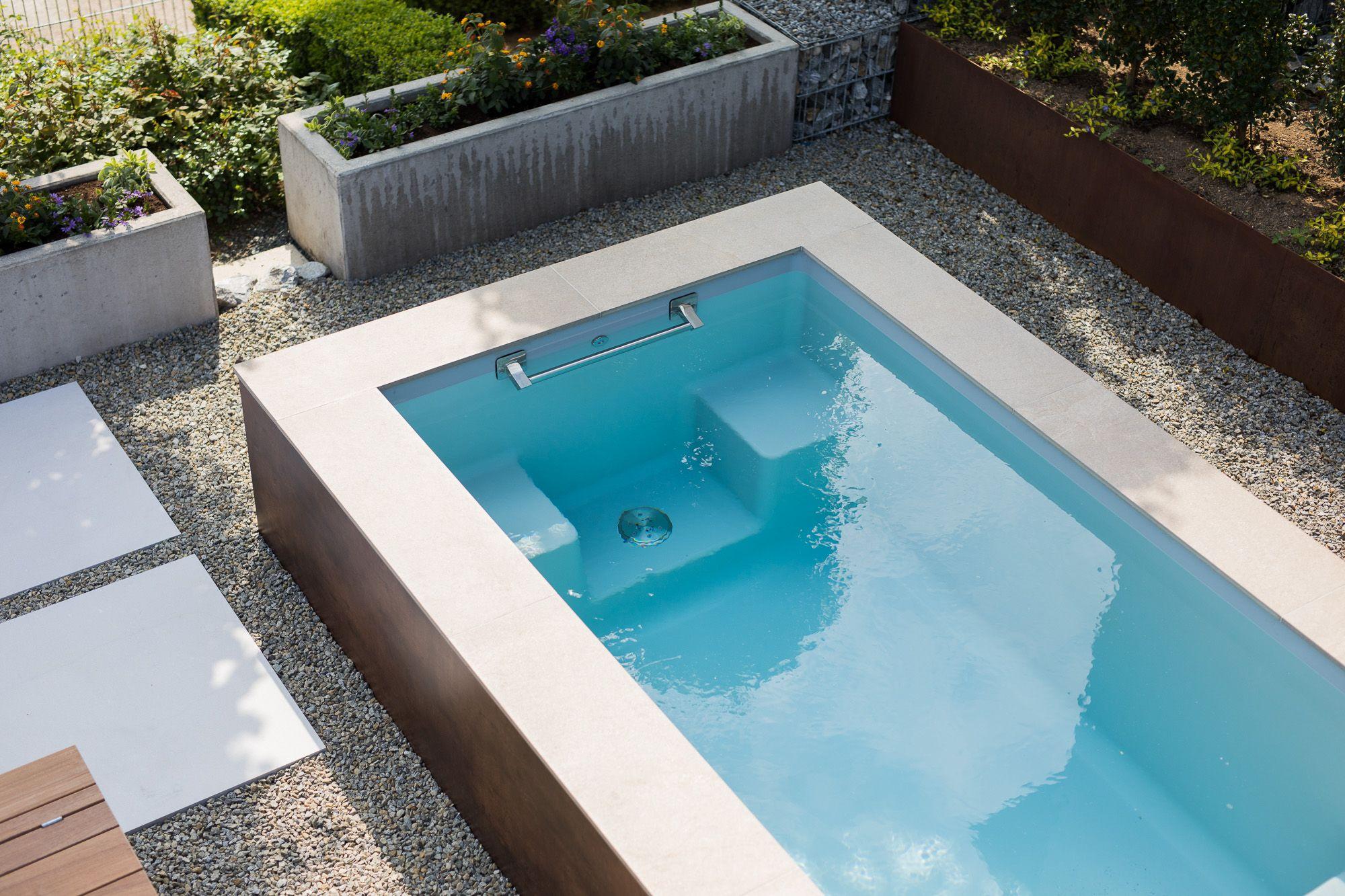 kleiner pool im garten